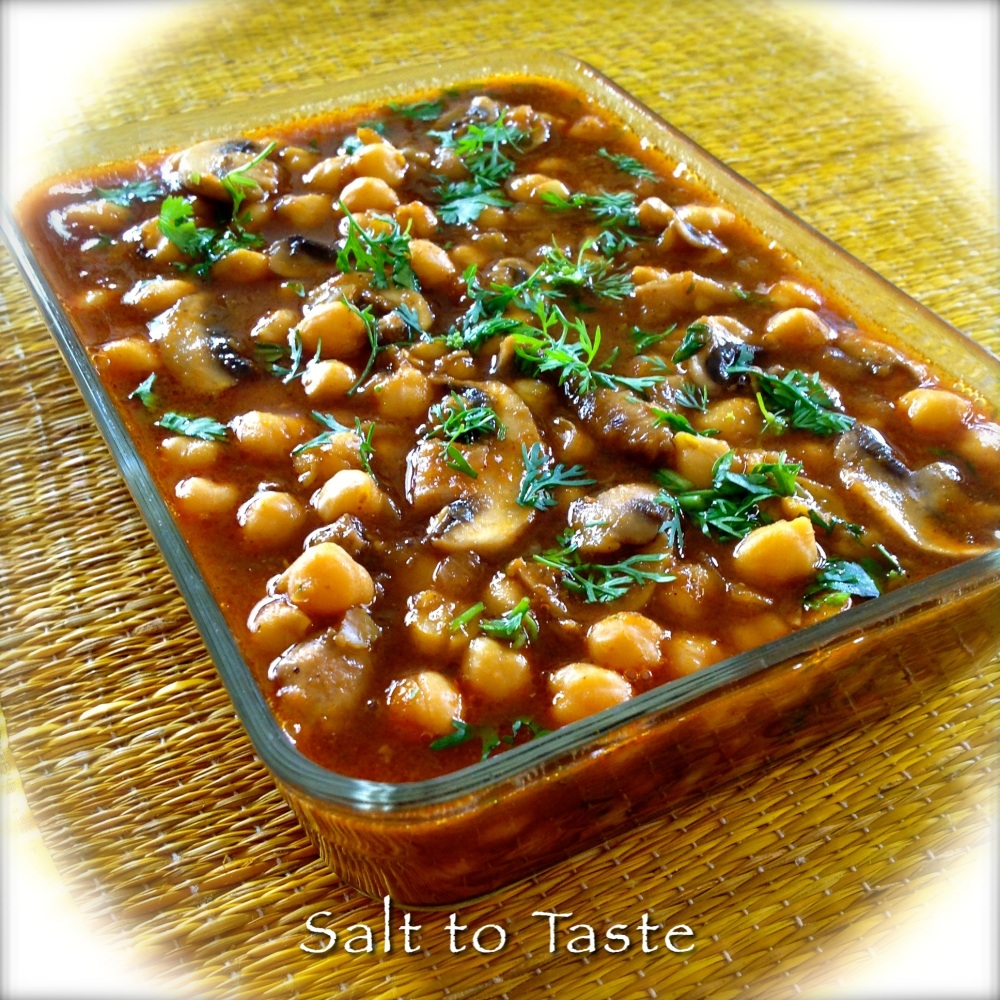 CURRIED CHICKPEAS WITH MUSHROOMS